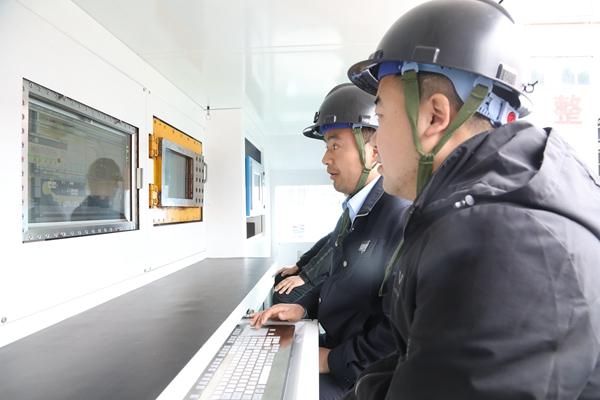 新万博manbetx注册集团蒲白矿业首套智能综放设备圆满完成联合试运转